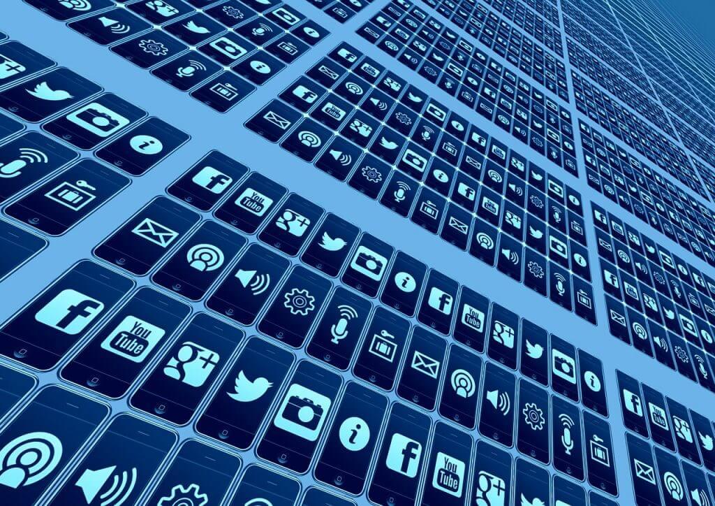 Facebook, Twitter und Youtube - So bist Du dank Shortcuts im Social Network schnell und effizient